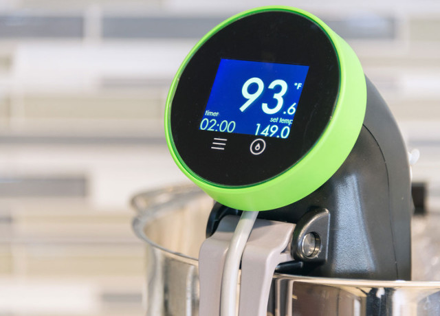 nomiku-sous-vide-screen-side-800×533-c