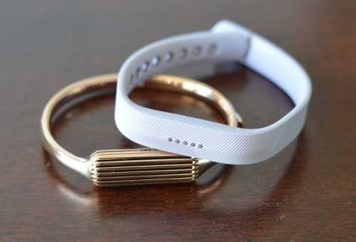 Fitbit Flex 2 first impression : Swim-friendly tracker makes a splash
