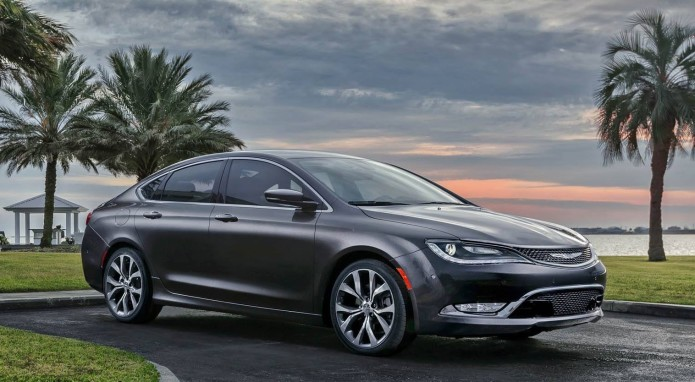 2015-Chrysler-200-AWD