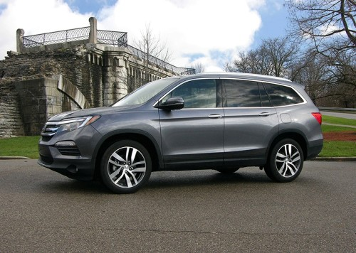 2016 Honda Pilot Review : For People Who Don't Want the Minivan