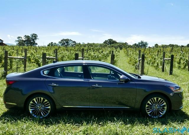 2017-Kia-Cadenza-review-photo-SlashGear00002