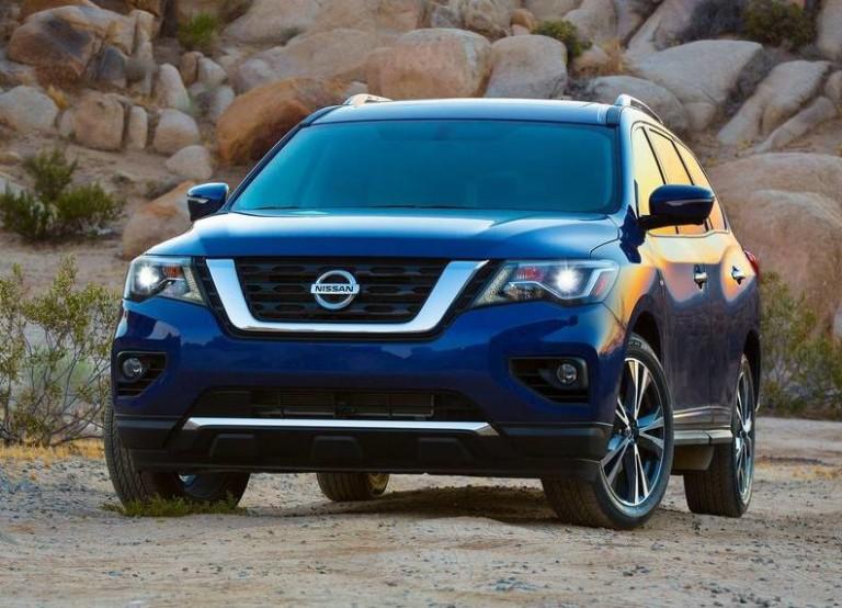 2017-Nissan-Pathfinder-NCI-10