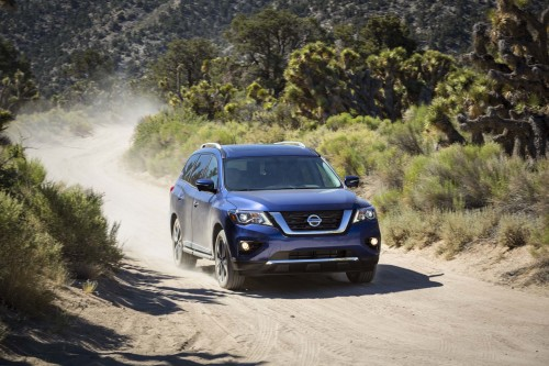 First Drive: Nissan's Pathfinder Gets Off-Road Ready for 2017