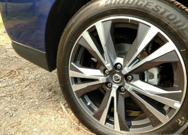 2017-Nissan-Pathfinder13-960×720