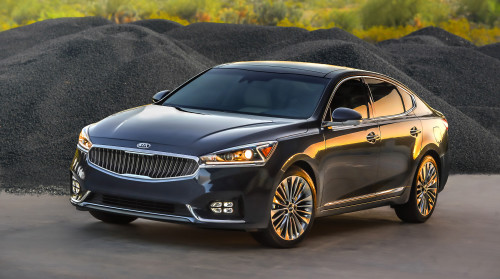 2017 Kia Cadenza First Drive: Big car, small market