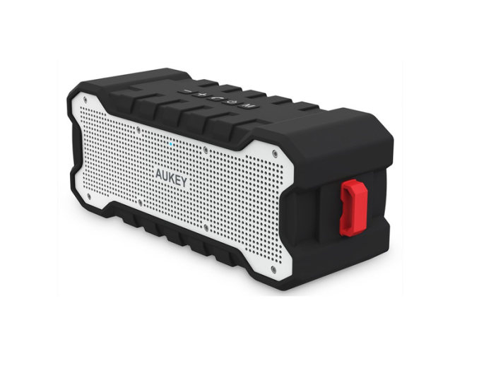 Aukey SK-M12 Outdoor Bluetooth speaker review : Surprisingly sonorous