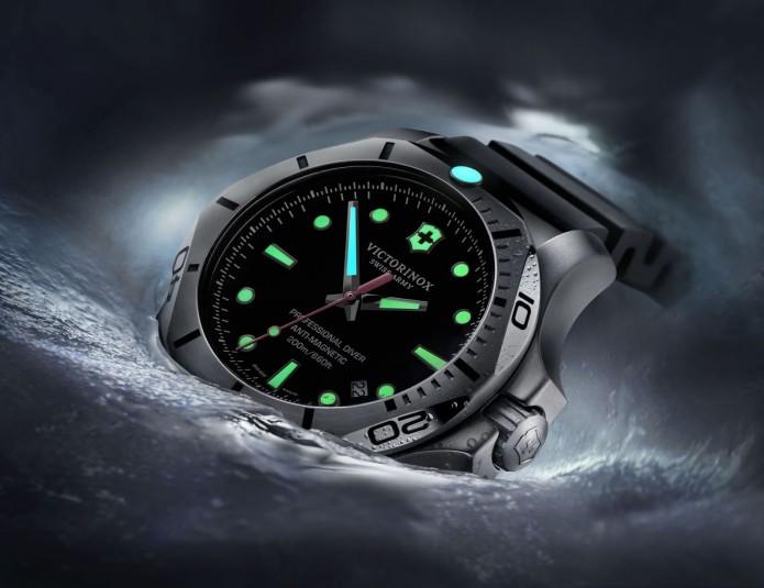 Victorinox Swiss Army I.N.O.X. Professional Diver 1