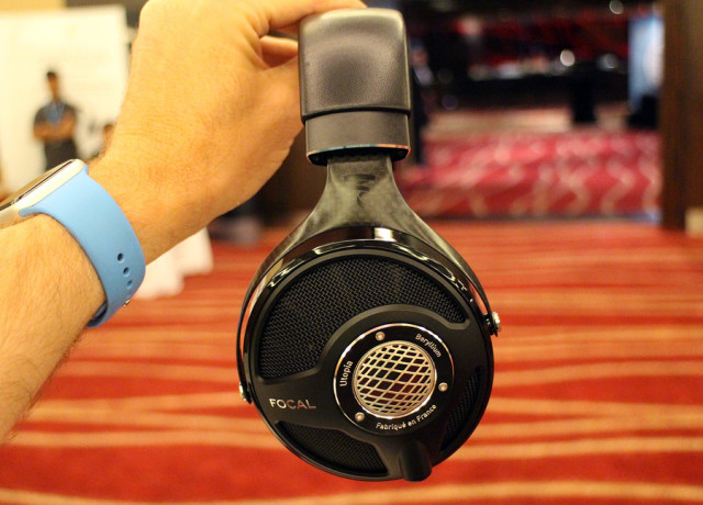 focal-utopia-hands-on-0003-970×647-c