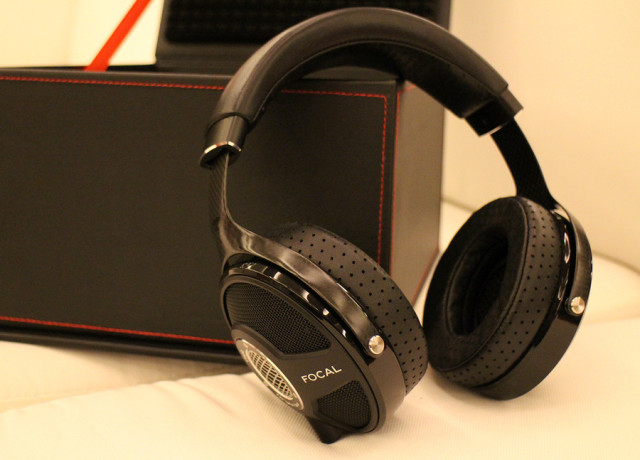 focal-utopia-hands-on-0006-970×647-c