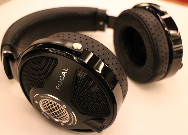 focal-utopia-hands-on-0007-970×647-c