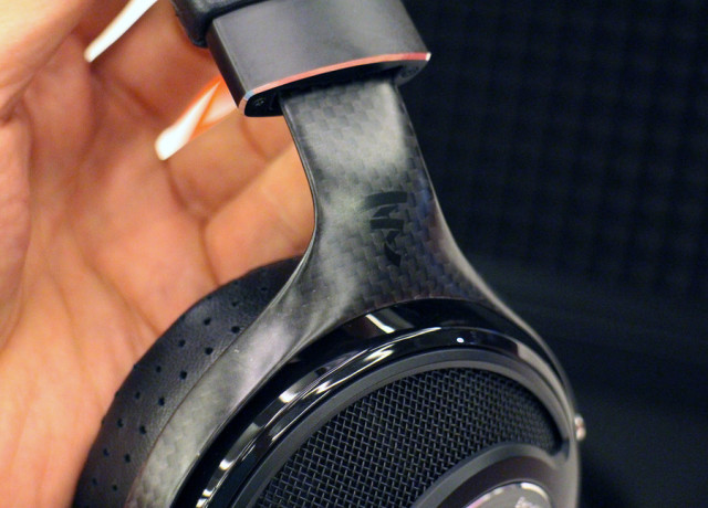focal-utopia-hands-on-0011-970×647-c