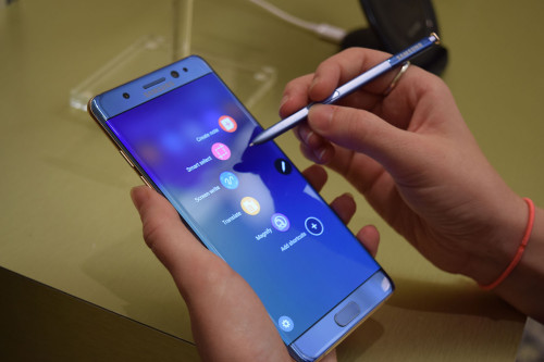 Samsung Galaxy Note 7 vs. S7 Edge: Is scribbling worth the extra scrilla?