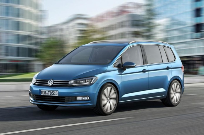 vw-touran-ac-2015-040