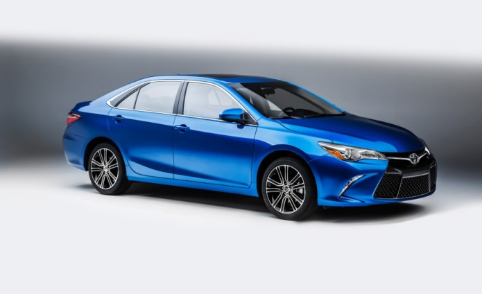2016-toyota-camry-special-edition-101-876x535