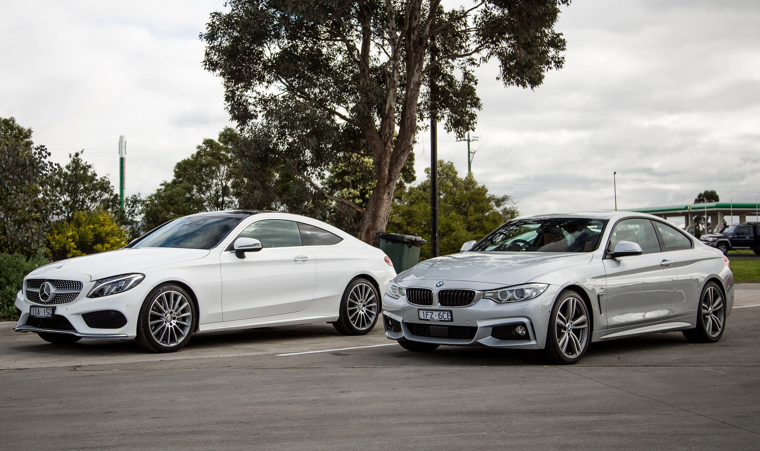 Comparison mercedes benz c300 coupe v bmw 430i gearopen for Bmw and mercedes benz