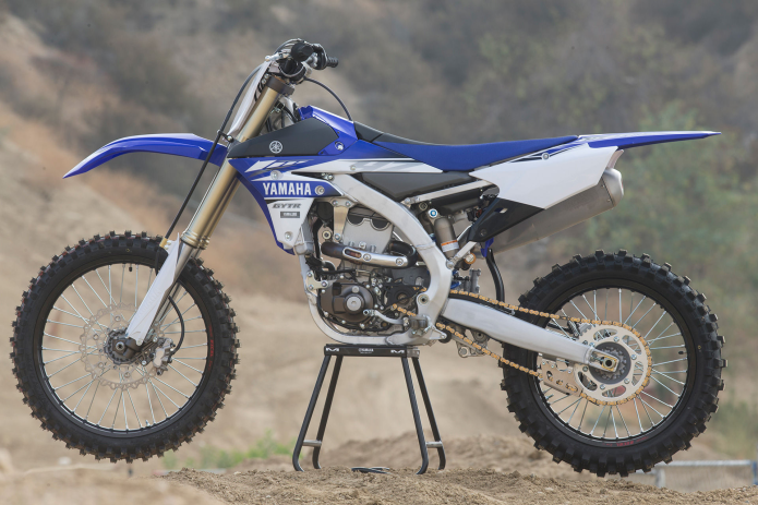 2017 Yamaha YZ450F - FIRST RIDE REVIEW : A solid contender with only a few minor tweaks for 2017