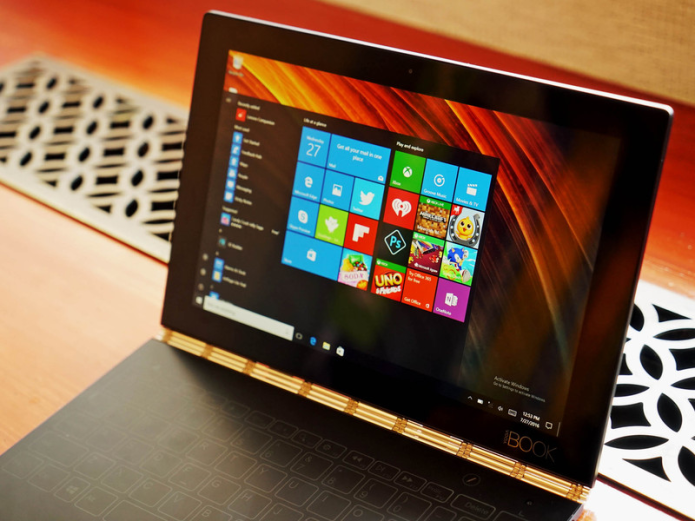 Hands-on : Lenovo Yoga Book Gets Unboxing Treatment