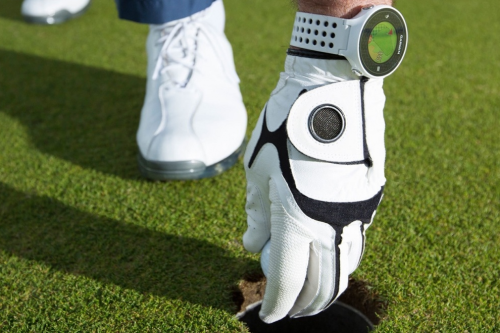 Best golf wearables : GPS watches and swing analysers