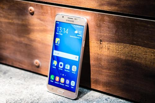 Samsung Galaxy J7 Prime Vs Galaxy J7 2016 : what's different?