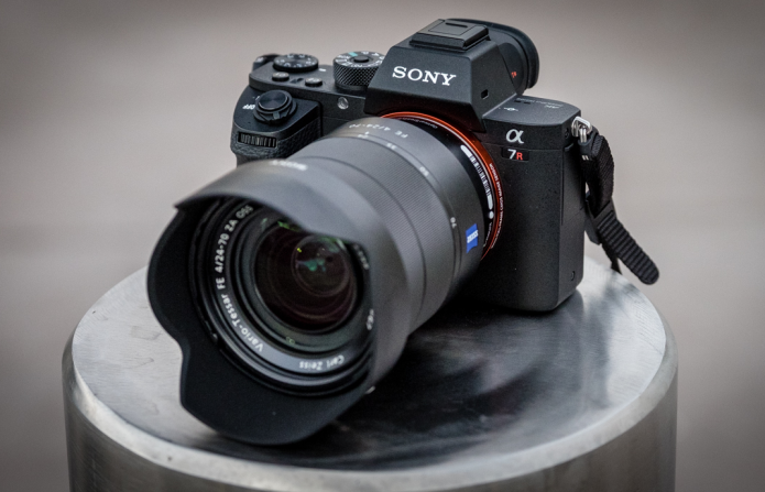 Sony A7R II: Best prime lenses review