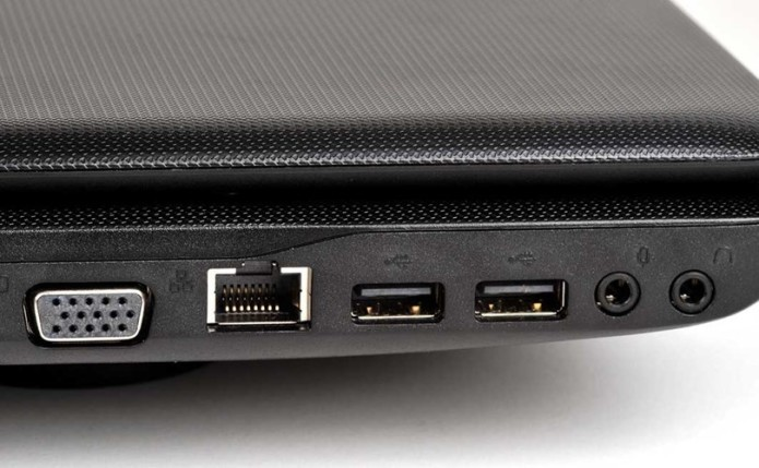 how to clean laptop ports