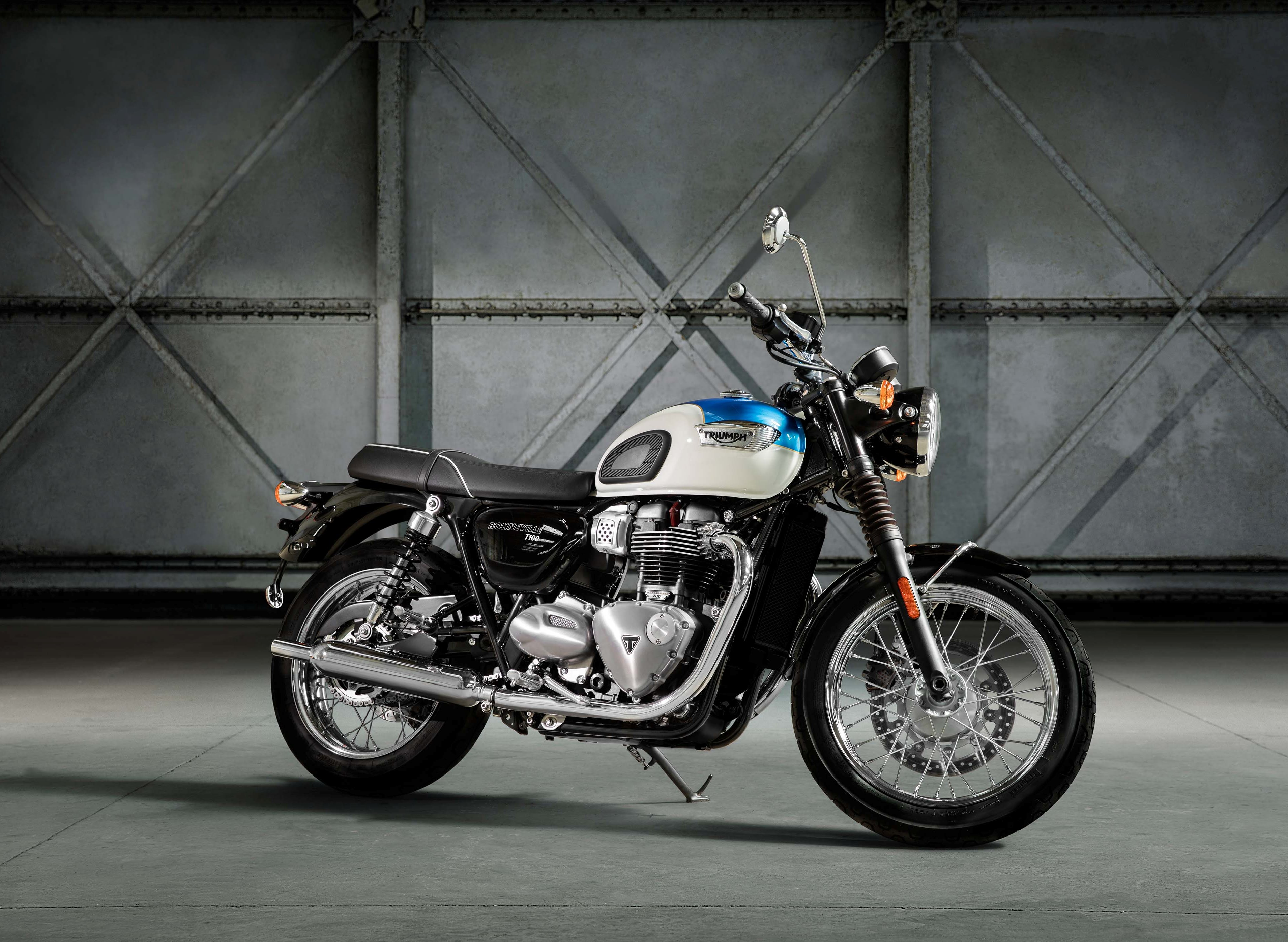 2017 triumph bonneville t100 first ride review gearopen. Black Bedroom Furniture Sets. Home Design Ideas