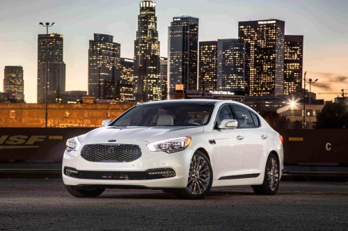 Review: 2016 Kia K900: A First-Class Ride at Coach Prices