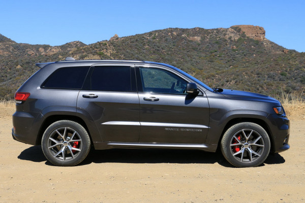2017-jeep-grand-cherokee-srt-0003-800×533-c