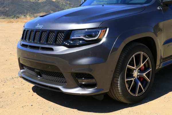2017-jeep-grand-cherokee-srt-0008-800×533-c