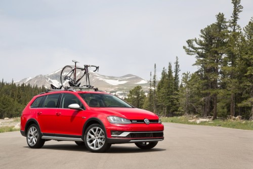 5 Things You Need to Know About the 2017 Volkswagen Golf Alltrack
