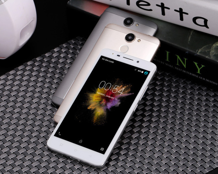 AMIGOO R700 Preview : Stylish 3G Phablet For $65 And Nothing More