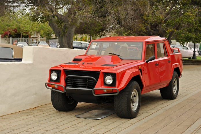 Lamborghini LM002 : The Weird History of the Rambo Lambo