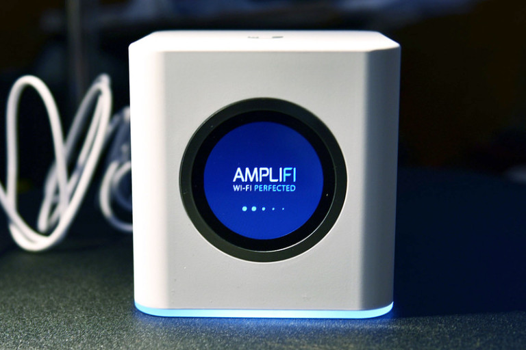 amplifi-hd-main-base-station-800x533-c