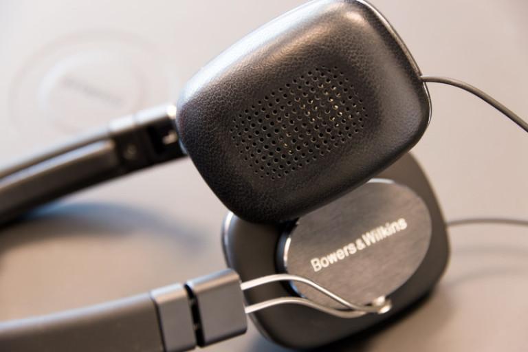 bw-p3-series-2-hdphns-earpad-800x533-c