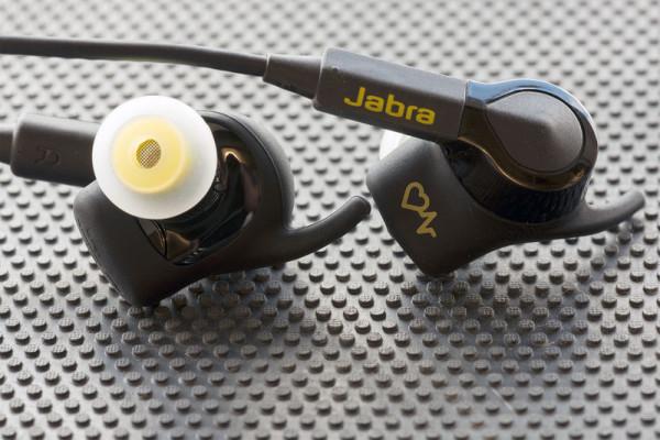 jabra-sport-pulse-wireless-se-bothcu-800×533-c