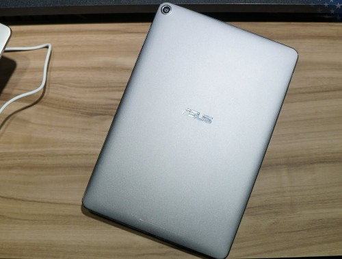ASUS ZenPad 3S 10 Hands-On With Z Stylus & First Impressions