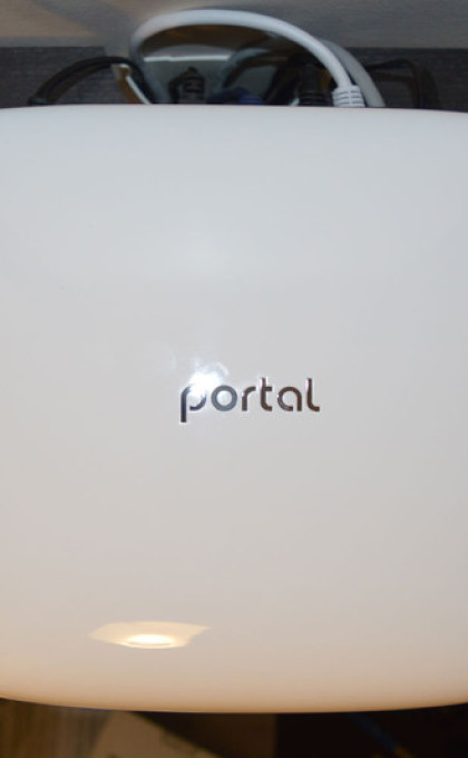 portal-wifi-router-top-2-800×533-c