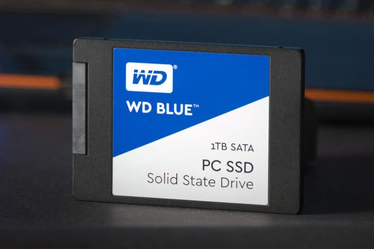 wd-blue-1tb-ssd-studiofull1-800x533-c