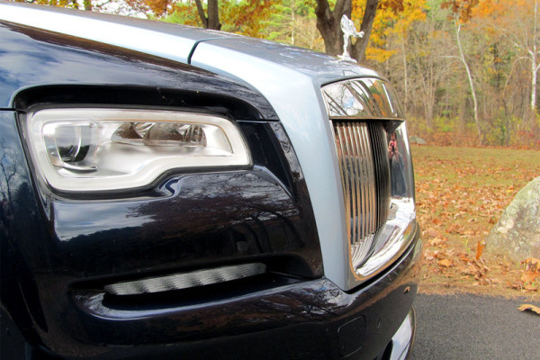 2016-rolls-royce-dawn-headlight-800×533-c
