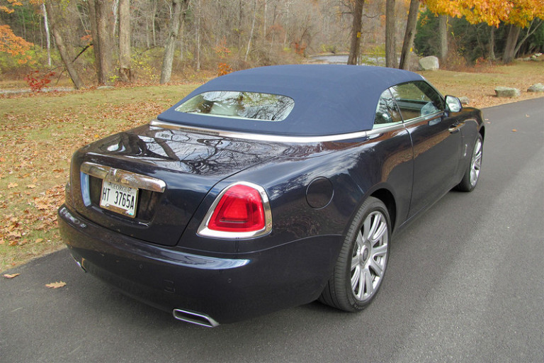 2016-rolls-royce-dawn-top-up-800x533-c