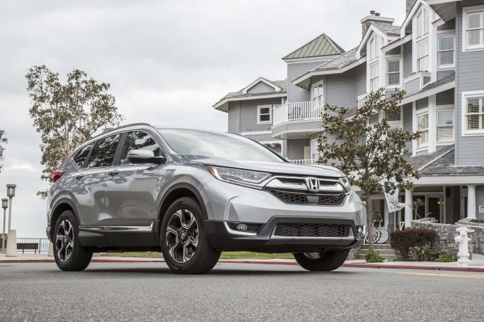 2017-honda-cr-v-touring-awd-front-three-quarter