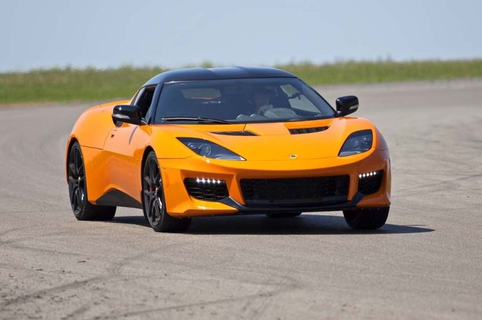 2017-lotus-evora-400-front-three-quarter-turn-e1470672025444