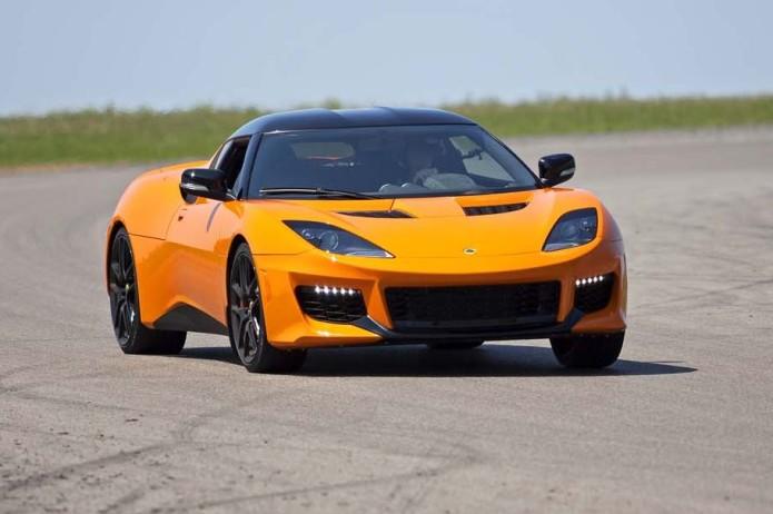 2017-lotus-evora-400-front-three-quarter-turn-e1470672025444