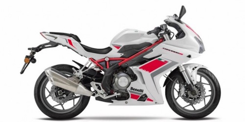 2016 Benelli TnT 300 Review