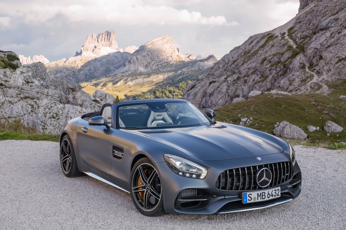 2018 Mercedes-AMG GT / GT C Roadster - First Ride Review