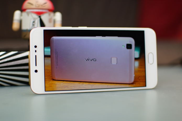 Vivo V5 Initial Hands-on Review: Contender for the Selfie Crown?