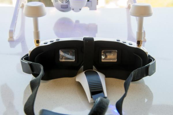 ehang-ghostdrone-goggles3-800×533-c