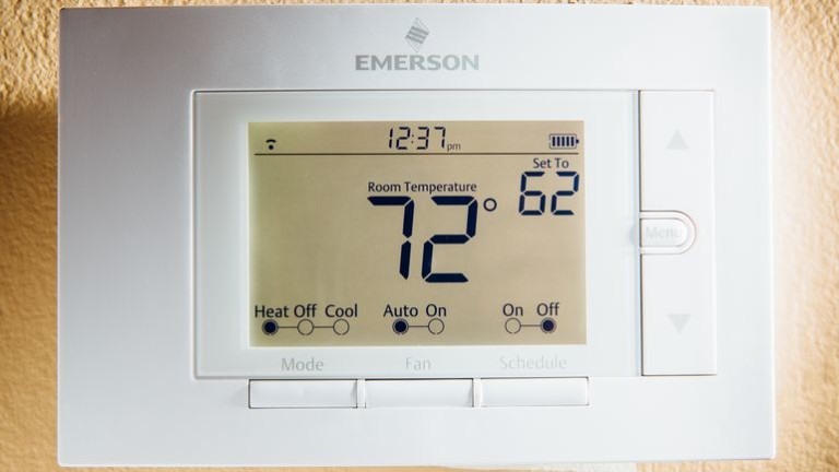 emerson-sensi-thermostat-product-photos-6