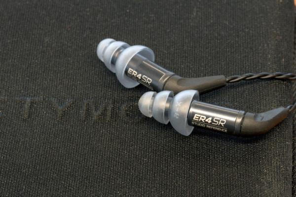 etymotic-er4xr-er4sr-earbuds-0014-800×533-c