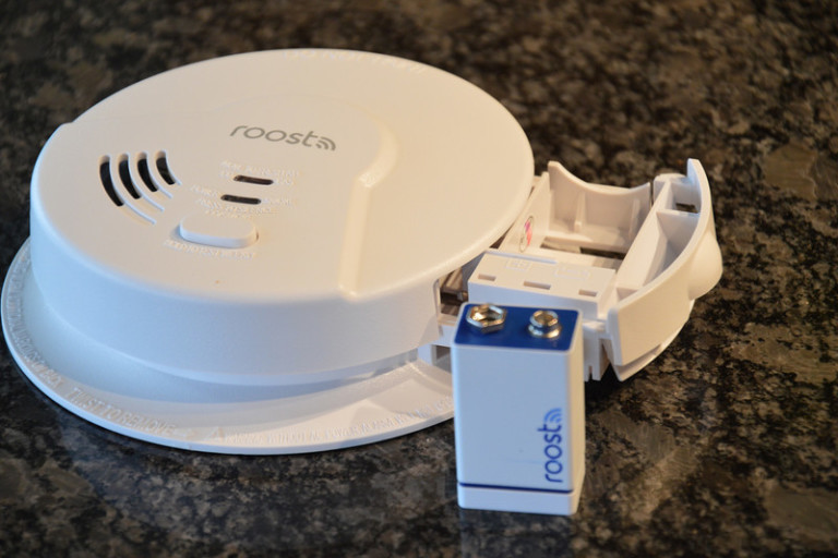 roost-smart-smoke-alarm-hands-on-0002-2-800x533-c